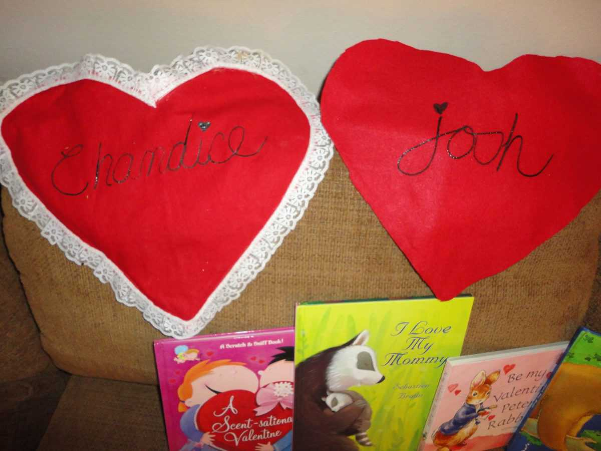 Gluten Free Valentines Day Ideas- Felt hearts, Bingo and chocolate drizzled popcorn