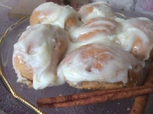 10 Minute Semi-Homemade Gluten-Free Cinnamon Rolls PLUS a Rudi's Giveaway!