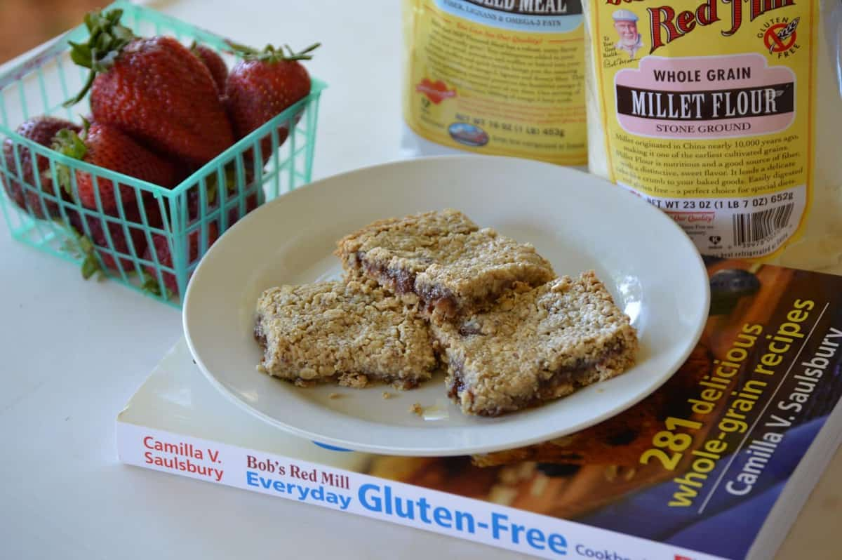 These are a few of my favorite GLUTEN-FREE things: Bob's Red Mill Giveaway & Everyday Gluten-Free Cookbook Review