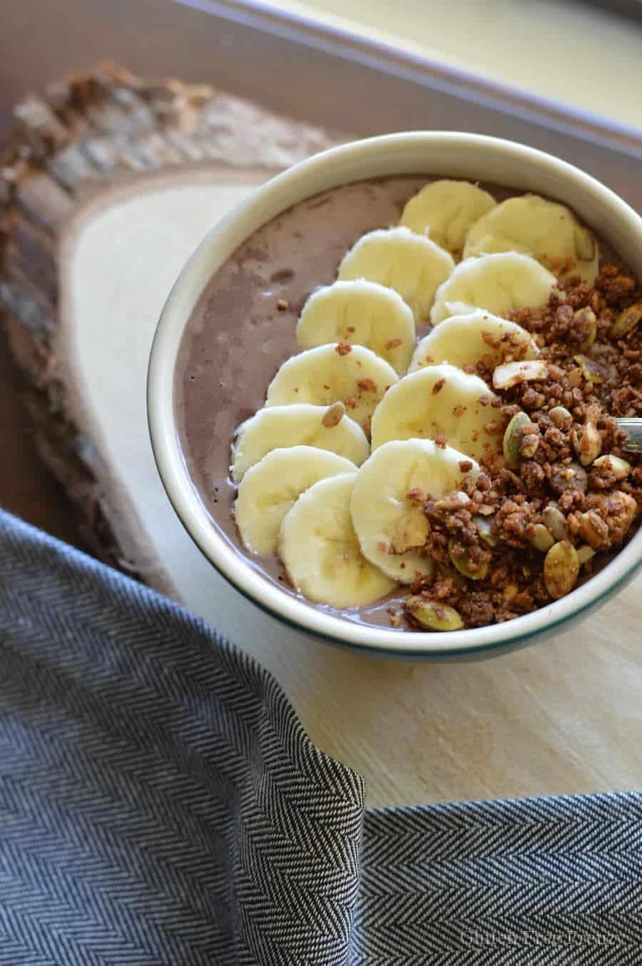 Easy Acai Bowl {Gluten-Free}