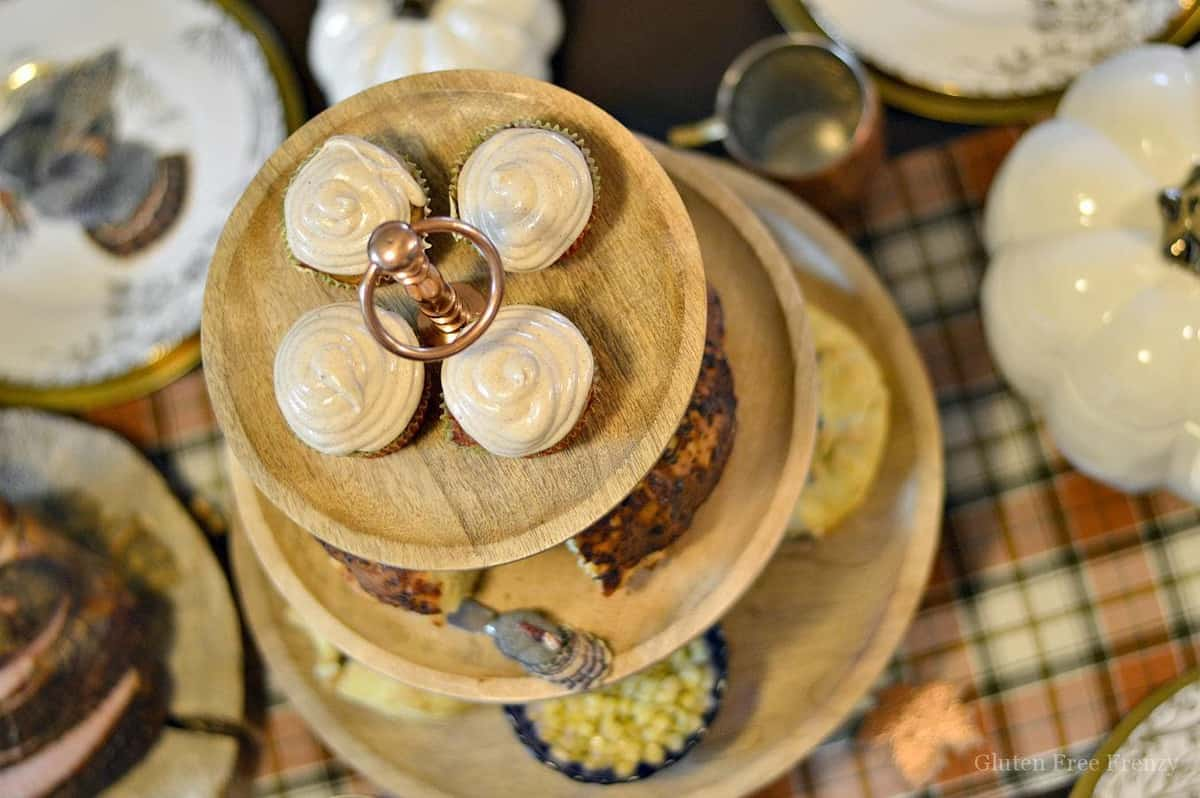 Our gluten-free Thanksgiving tablescape will wow all of your guests from both presentation to taste. Nobody would ever know it's all gluten-free! Let us show you how to play the perfect hostess this Thanksgiving. glutenfreefrenzy.com