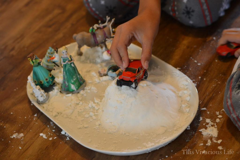 These Christmas in July ideas will get you feeling festive during the summer. From themed food to activities, we are going to show you how to start this awesome tradition! | how to celebrate Christmas in July | Christmas in July activities for kids | fun Christmas in July ideas | Christmas in July kids activities | Christmas in July themed party || This Vivacious Life