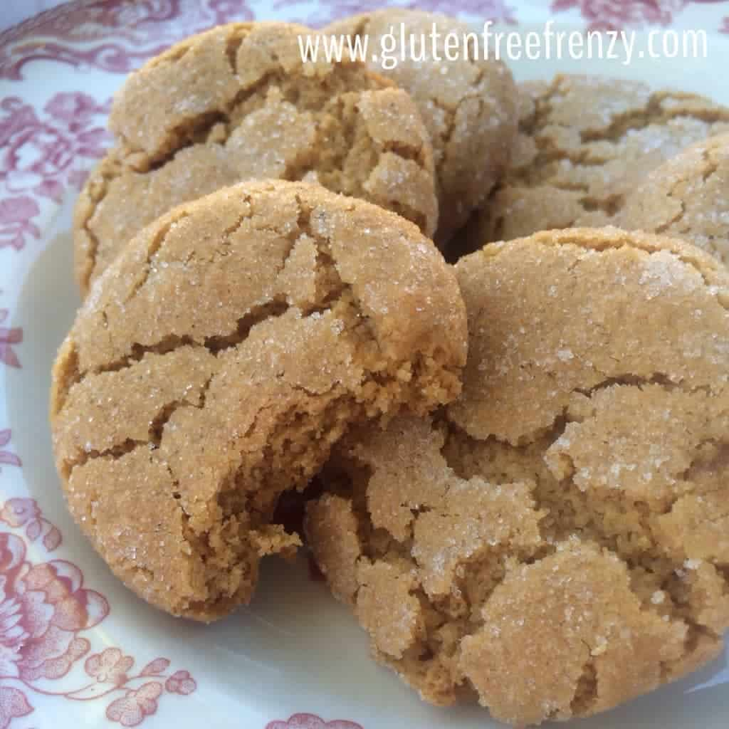 These gluten-free soft and chewy molasses cookies are going to be a new holiday favorite. They are bursting with flavors of Christmas that everyone loves! | gluten-free holiday cookies | gluten-free christmas cookies | gluten-free cookie recipes | gluten-free molasses cookie recipes | homemade molasses cookies || This Vivacious Life #molassescookies #glutenfreecookies #christmascookies