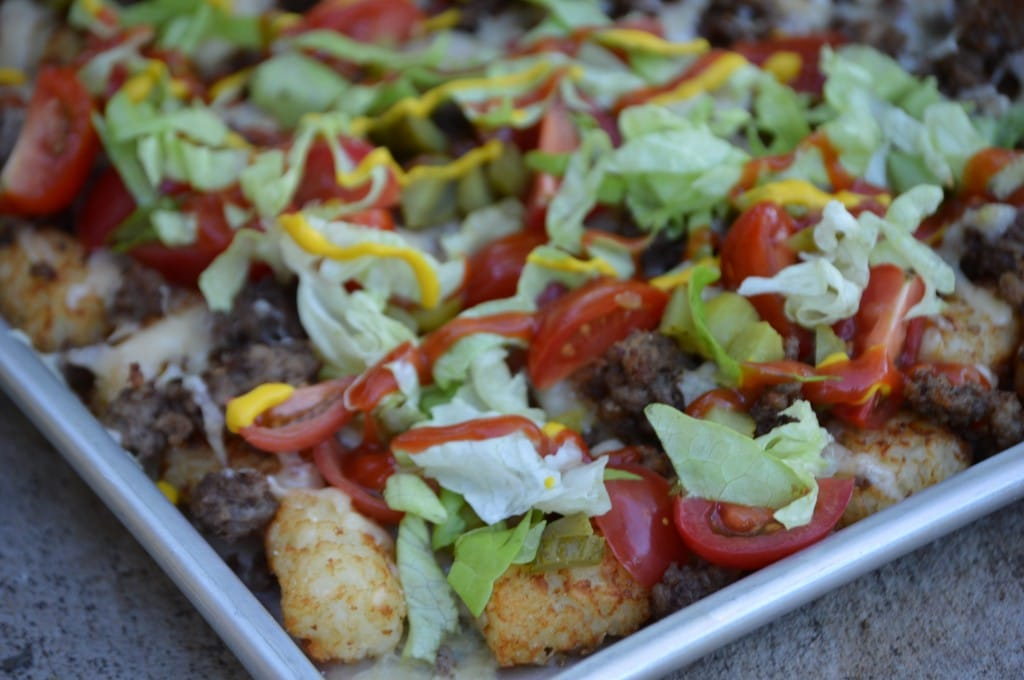 Cheeseburger tots is an easy meal that the whole family with love.