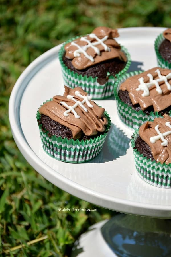 Football Cupcakes Gluten-Free | Gluten-Free Super Bowl Food | gluten-free appetizers and treats | gluten-free party food | gluten-free tailgate recipes | Super Bowl recipes | super bowl party ideas || This Vivacious Life #superbowl #partyrecipes #glutenfreepartyfood