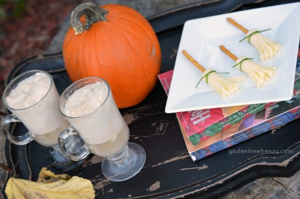 Harry Potter Halloween snacks are a fun and festive way to celebrate the season this year. Book lovers are especially going to love this for their next Halloween or Harry Potter party! | halloween party ideas | harry potter party ideas | kid friendly halloween parties | halloween fun | fun ideas for halloween | DIY halloween parties || This Vivacious Life