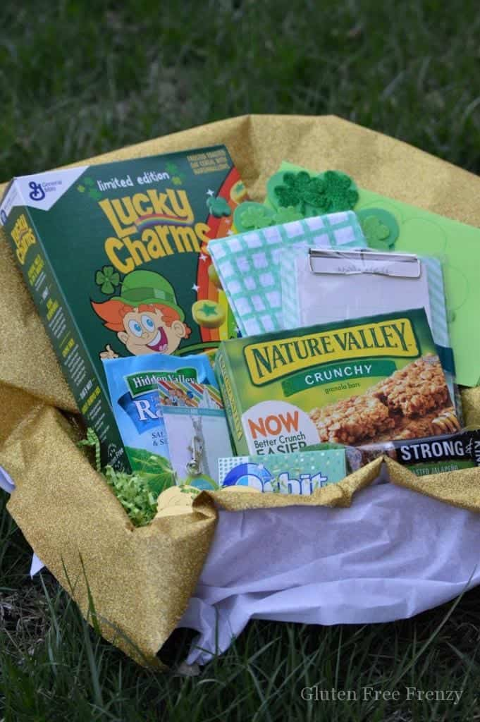 This DIY St. Patrick's Day lucky box is easy to make and will be sure way to let a friend know that you feel lucky to have them. | St. Patrick's Day crafts | St. Patrick's Day activities || This Vivacious Life #stpatricksday #stpaddysday #stpatricksdaycraft