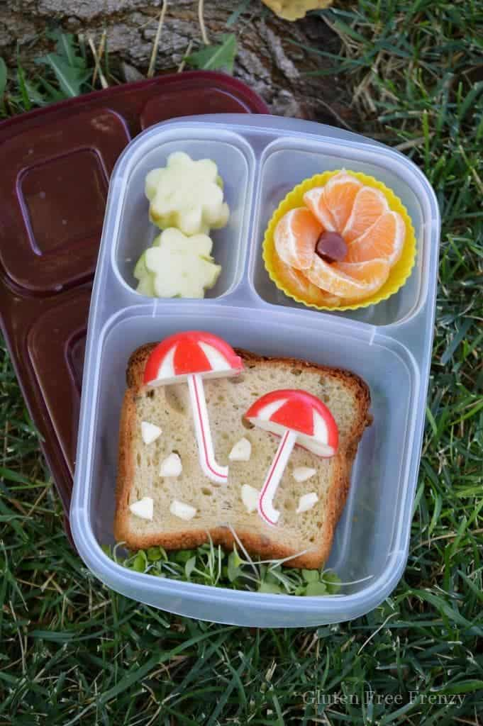 This rainy day bento box lunch is so cute and super easy to make! Make your little one smile with this easy bento box lunch. www.glutenfreefrenzy.com
