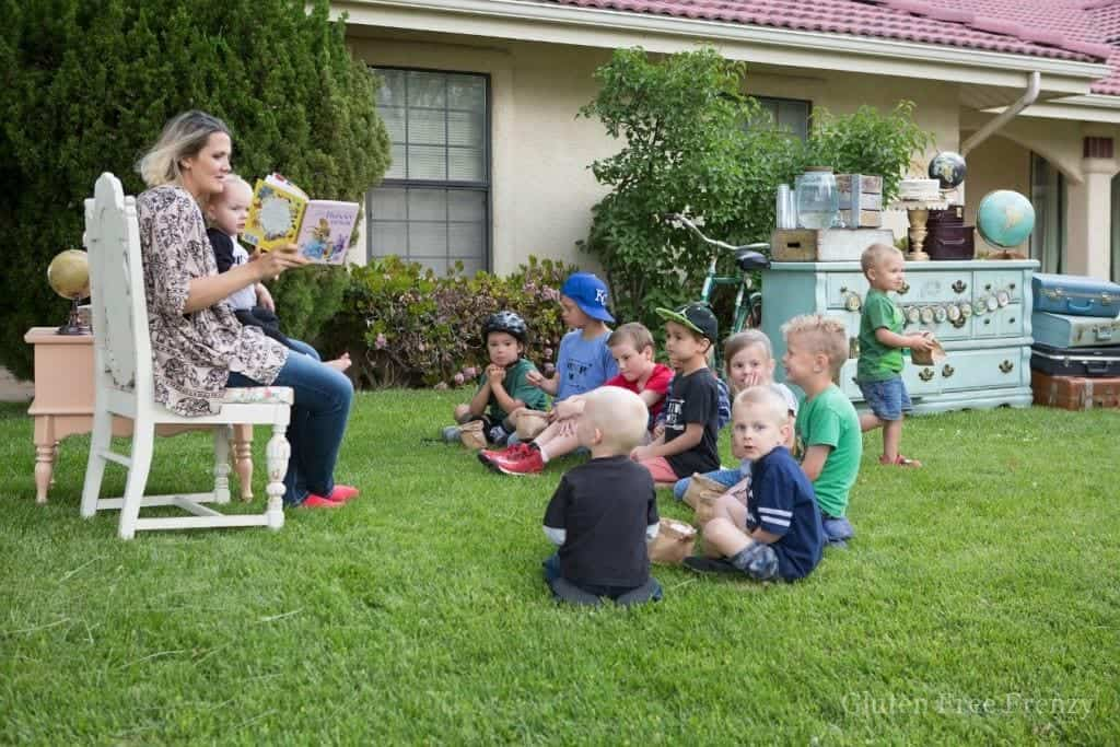 This little library adventure awaits party is a great way to promote literacy in your neighborhood. Delicious goodies including a trail mix piñata cake & popcorn, darling decor and instructions for building your own little library are all here!