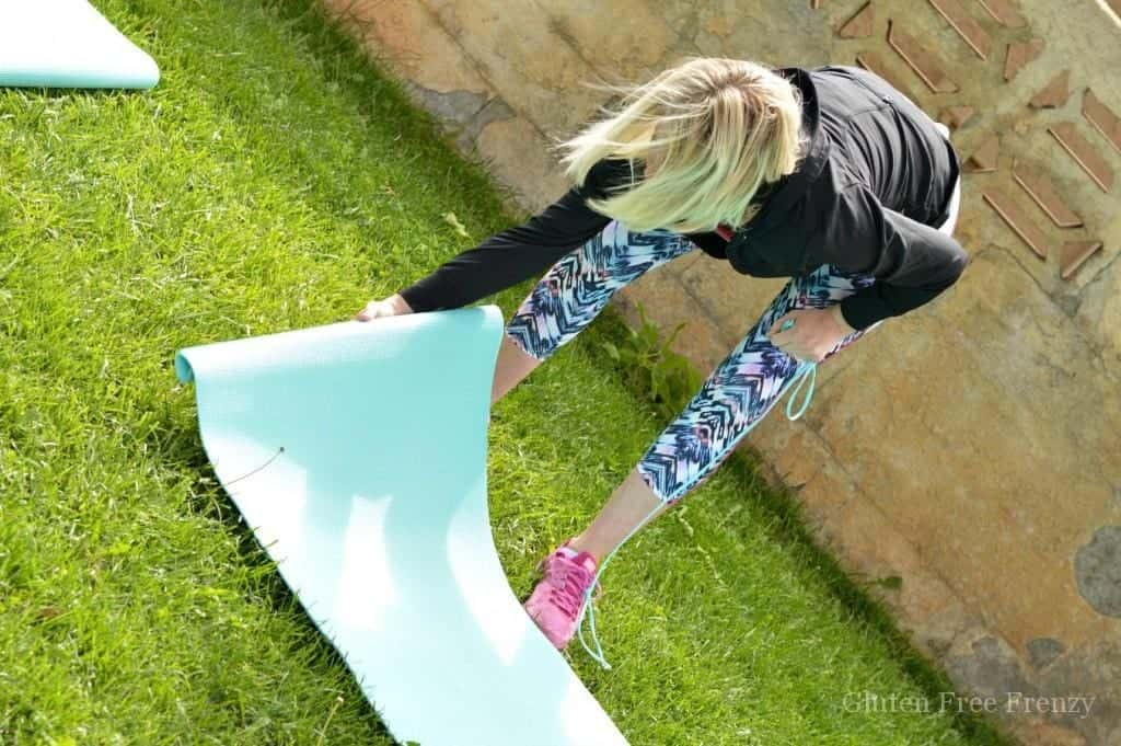 Cute ideas and recipes for an outdoor pilates party plus how-to for doing one yourself! www.glutenfreefrenzy.com ad