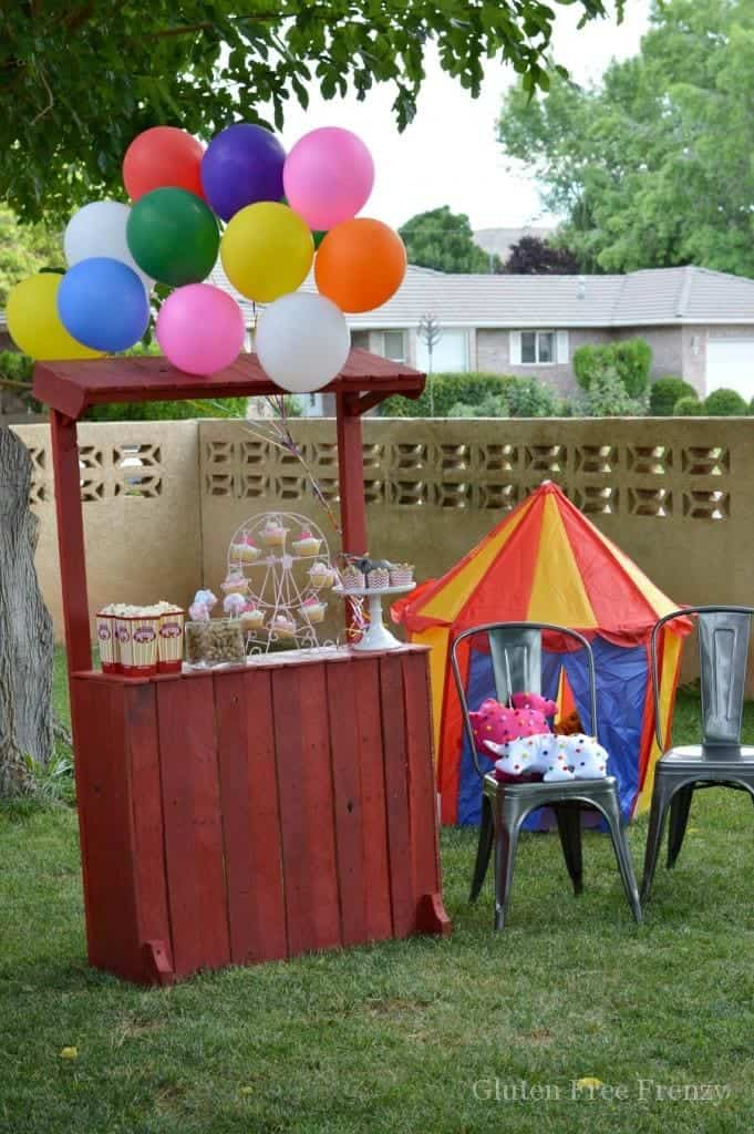 This whimsical circus party is bright, colorful and super fun! From games and activities to delicious circus themed food like cotton candy cake pops, this party really does have it all. || This Vivacious Life #partyideas #kidsparties #circusparty #circus #birthdayparties
