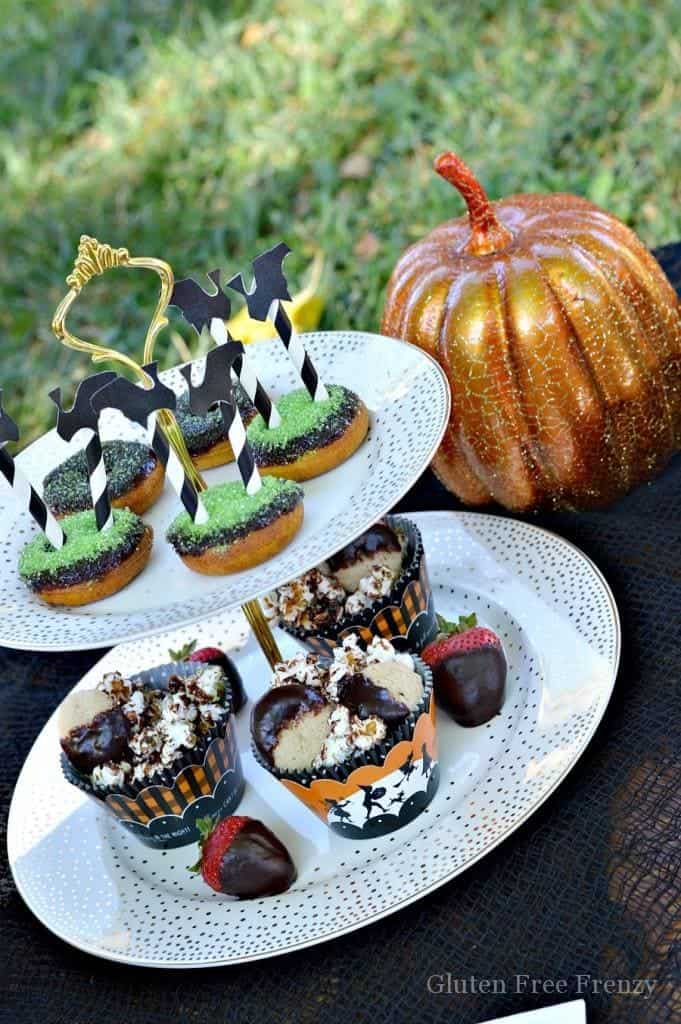 This little witches tea party couldn't be cuter! It is fun, festive and full of Halloween flair and fun! From party favors to themed treats, this party has it all! | halloween party ideas | witches tea party ideas | kid friendly halloween parties | halloween fun | fun ideas for halloween | DIY halloween parties || This Vivacious Life #halloween #halloweenparty #kidshalloween #halloweenfun #halloweendecorations #thisvivaciouslife