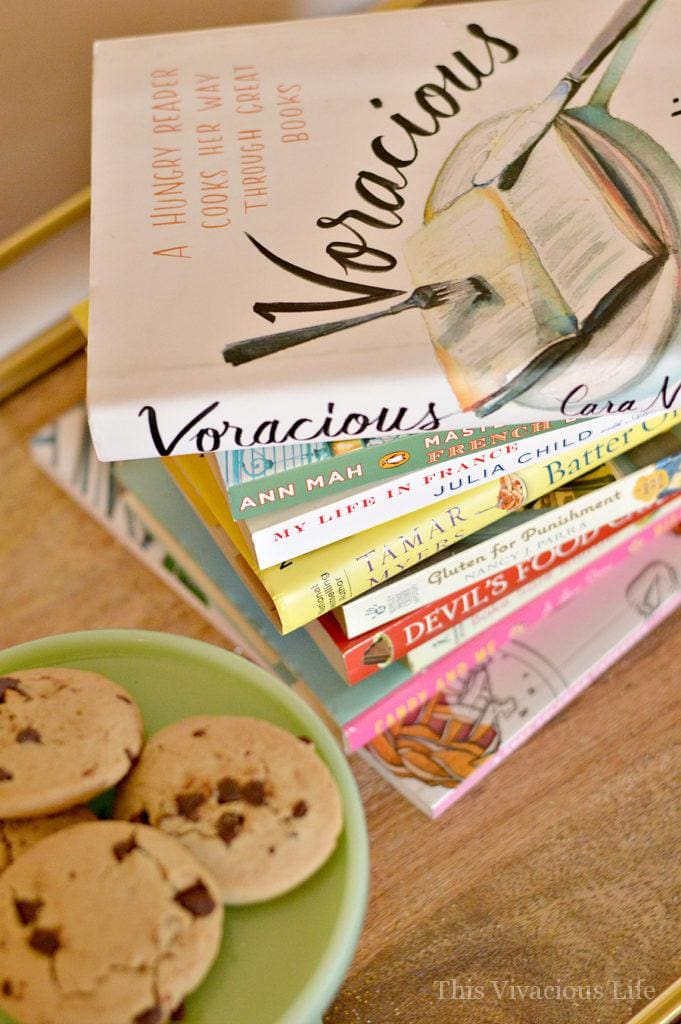 These books for foodies are delectable to both the mind and tastebuds. | foodie books | reading for foodies | best books for foodies | food related books || This Vivacious Life #foodbooks #foodiereads #foodiebooks