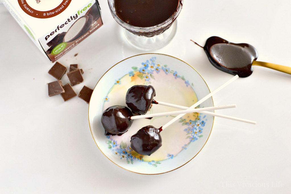 These dairy-free ice cream fudge pops are so easy to make and are sure to please a crowd. Whether dairy-free or not, these little ice cream desserts are tasty.   dairy free desserts   gluten free desserts   easy dessert recipes   dairy free recipe ideas   dairy free sweets    This Vivacious Life