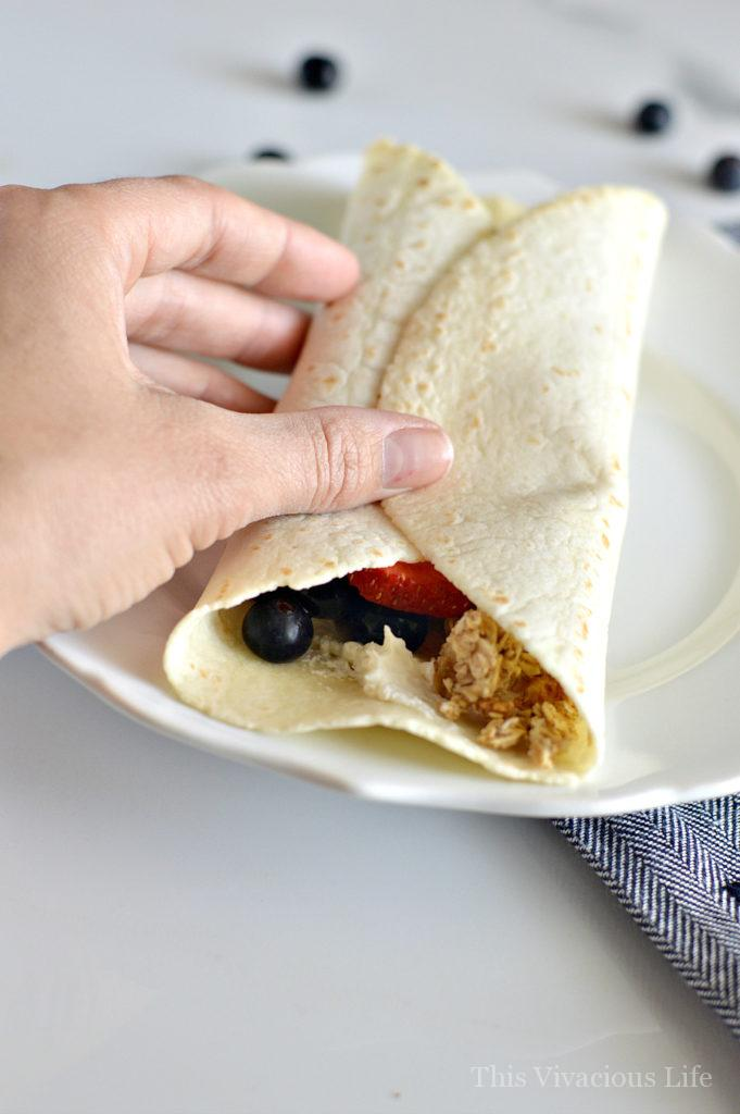 Sweet breakfast burritos gluten-free are an easy and delicious breakfast to start the day. | gluten free breakfast ideas | gluten free breakfast recipes | fun ideas for breakfast | how to make breakfast burritos | breakfast ideas that are gluten free || This Vivacious Life #breakfastburrito #glutenfreebreakfast #glutenfree