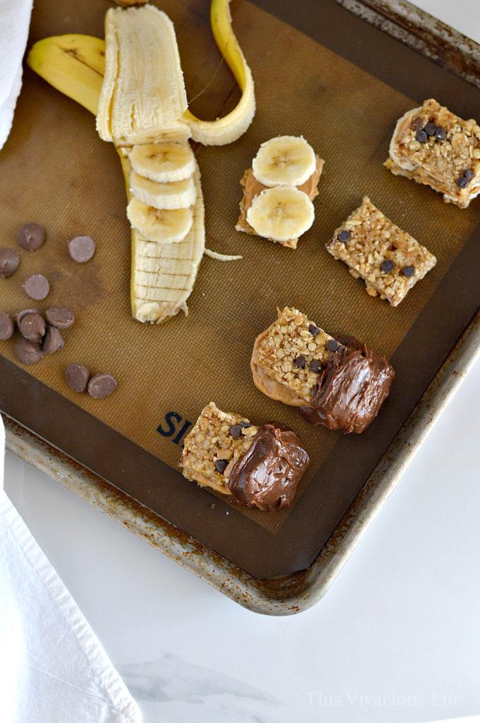 These chunky monkey granola bar treats are super easy to prepare and make a great, healthy snacks! Using granola bars, you can put these semi-homemade treats together in minutes.