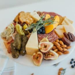 Gluten-Free Charcuterie and Cheeseboard Perfect for Entertaining | gluten free entertaining tips | how to entertain gluten free | gluten free appetizer ideas | gluten free charcuterie tips | how to create gluten free charcuterie | gluten free cheeseboard | gluten free snack recipes || This Vivacious Life