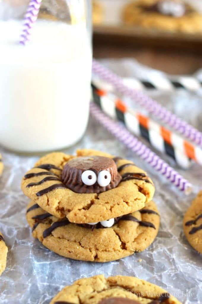 These are the BEST gluten-free Halloween recipes and are so delicious! | gluten free halloween | halloween recipes gluten free | gluten free halloween ideas | gluten free halloween tips | gluten free holiday recipes || This Vivacious Life