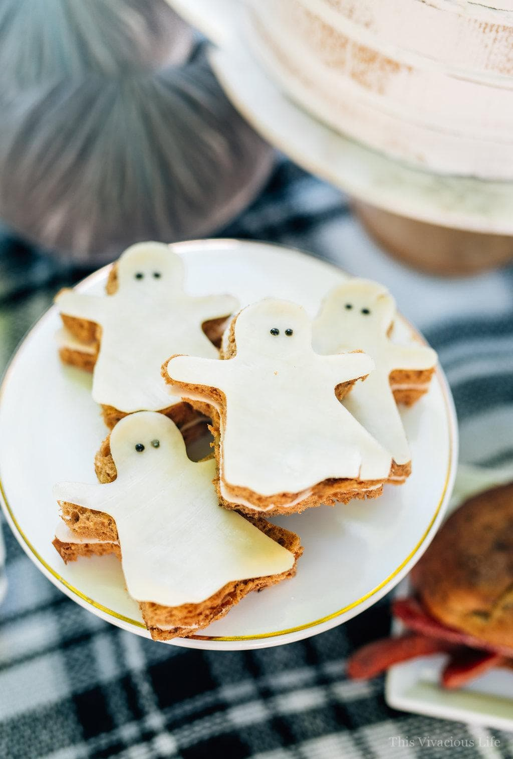 This spooky sandwich bar Halloween party is such a fun one especially for little ones. They will love the variety of fun sandwiches and eerie decor.