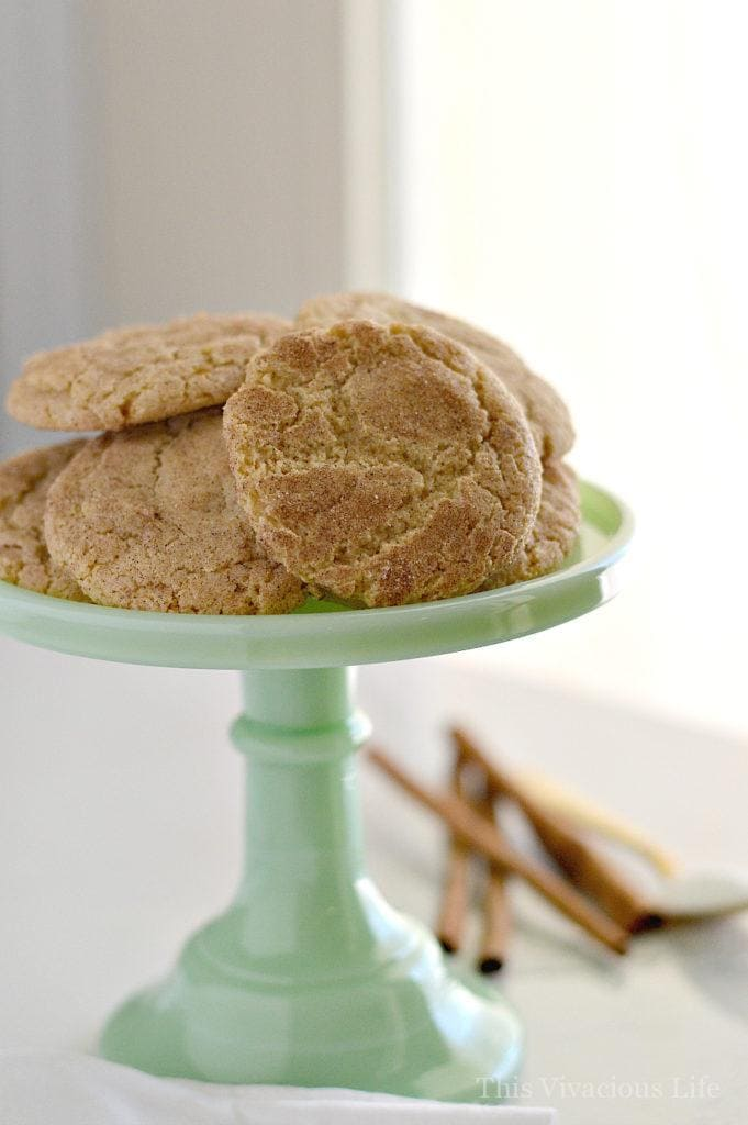 These gluten-free snickerdoodles are the BEST! They are soft, chewy and so delicious that nobody would ever know they are gluten-free! | gluten-free holiday cookies | gluten-free christmas cookies | gluten-free cookie recipes | gluten-free snickerdoodle cookie recipes | homemade snickerdoodles || This Vivacious Life #snickerdoodles #glutenfreecookies #christmascookies