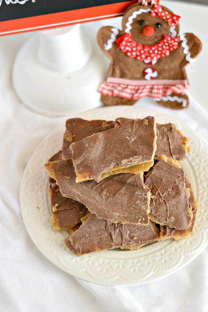 This gluten-free Christmas crack is an addicting holiday candy that is SO easy to make! Like, just a few ingredients and a few minutes easy. Everyone will be coming back for more with this Christmas treat.