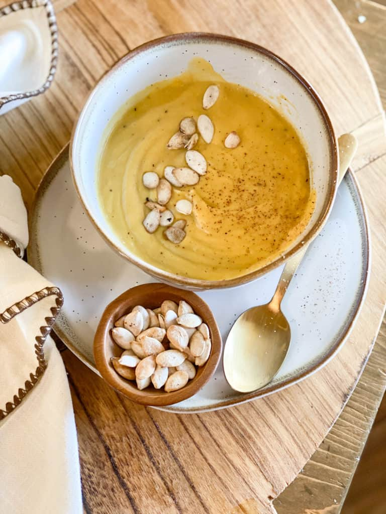 Whole30 butternut squash soup with pumpkin seeds