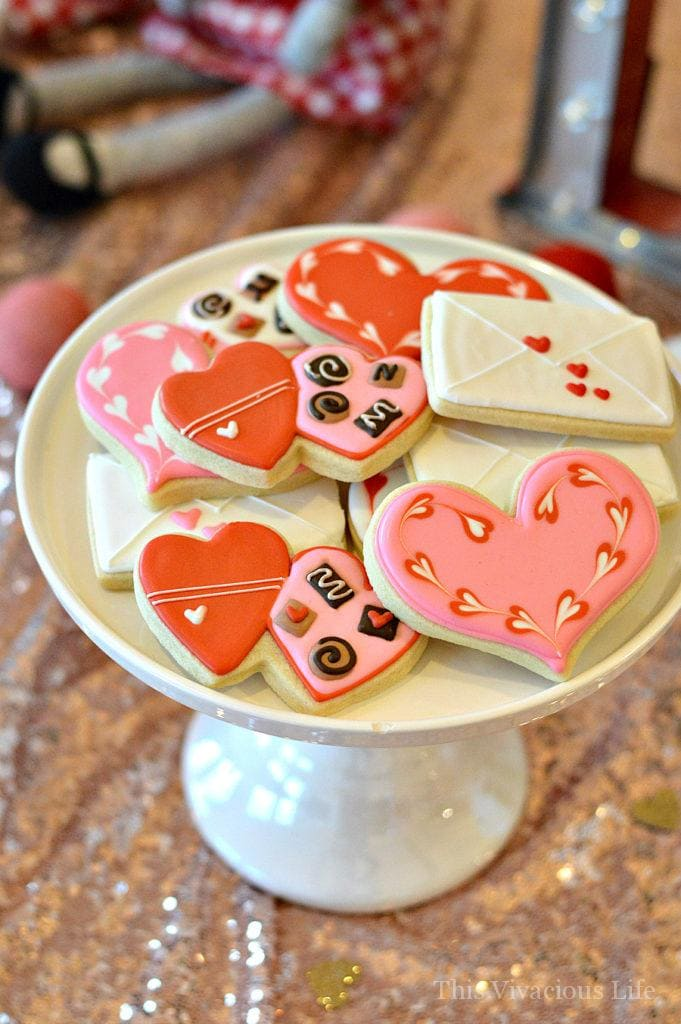 Galentines Day Cookie Decorating Party and Celebration | Valentine's Day cookies | how to decorate Valentine cookies | fun parties for adults | Valentine party ideas for adults || This Vivacious Life #cookiedecorating #galentinesday #valentineparty