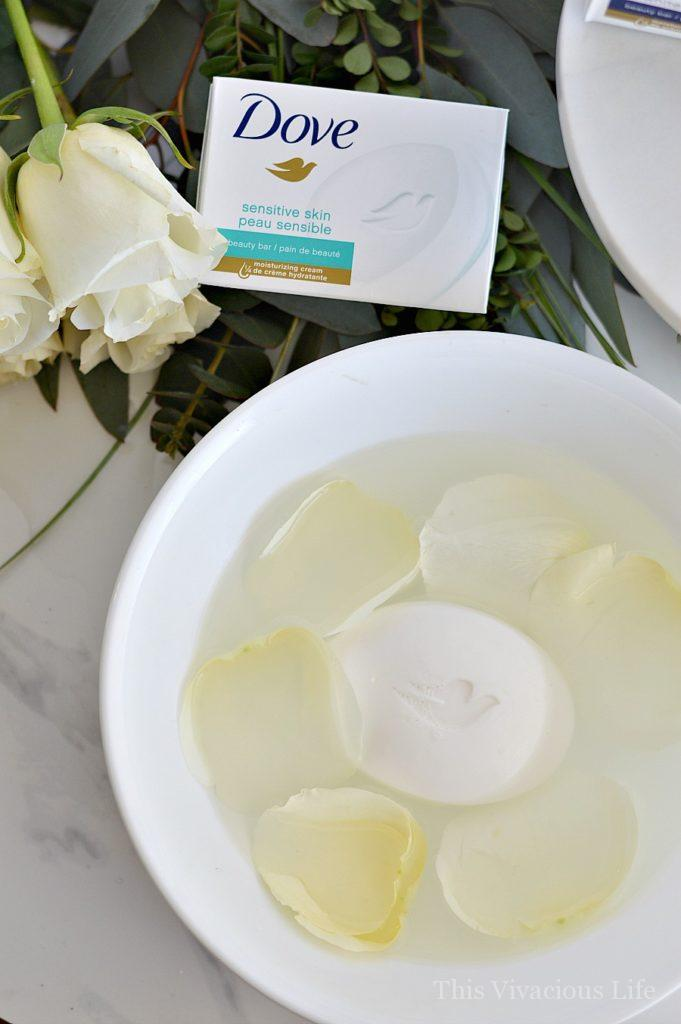 Easy, at home foot bath. We had the chance to work with Dove and share why they are a great soap for the whole family. #ad #dovepartner | diy foot bath | foot bath ideas | foot bath for dry feet || This Vivacious Life #footbath #diyfootbath #diybeauty