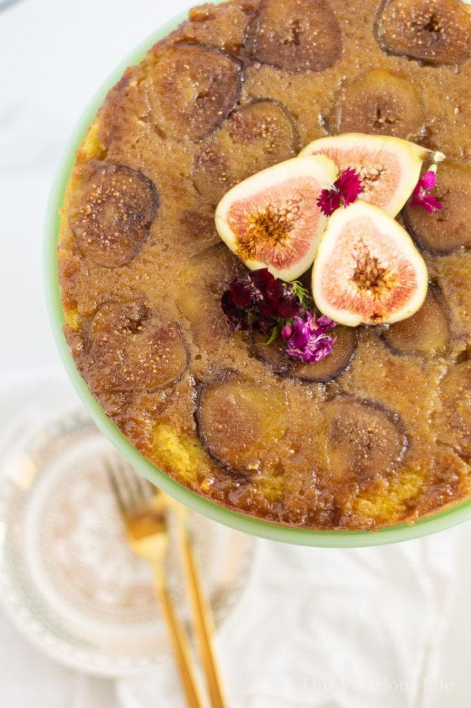 This Gluten Free Upside Down Fig is so moist and delicious! Made with fresh figs, this upside down cake recipe is perfect for any season! || This Vivacious Life #recipe #glutenfree #figs #figrecipe #glutenfreecake #glutenfreedessert #thisvivaciouslife