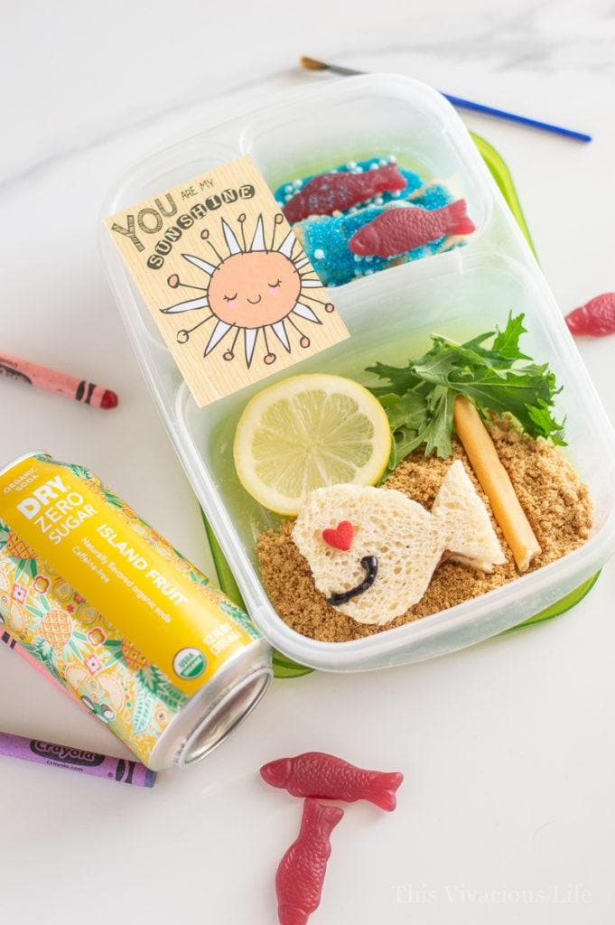 Bento box ideas for kids that will only take a few minutes to put together. The kids will love both the berry and island themed lunchboxes! || This Vivacious Life #bento #bentoboxes #kids #kidslunches #lunchbox #schoollunch #lunchboxideas #thisvivaciouslife