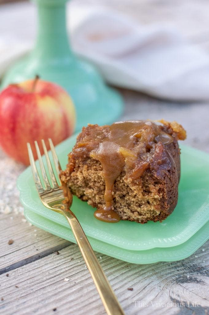 You guys are going to love this gluten free caramel apple upside down cake! It is a cake that is great on its own, with our caramel sauce or served al a mode. || This Vivacious Life #glutenfree #upsidedowncake #glutenfreedesserts #thisvivaciouslife