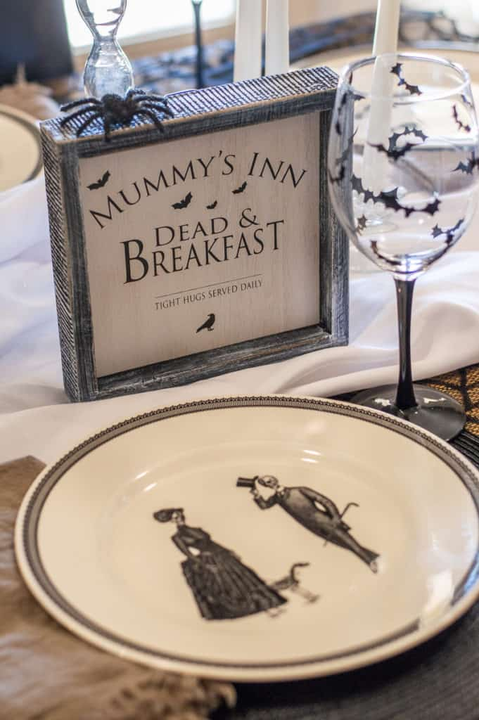 Halloween plate and mummy sign