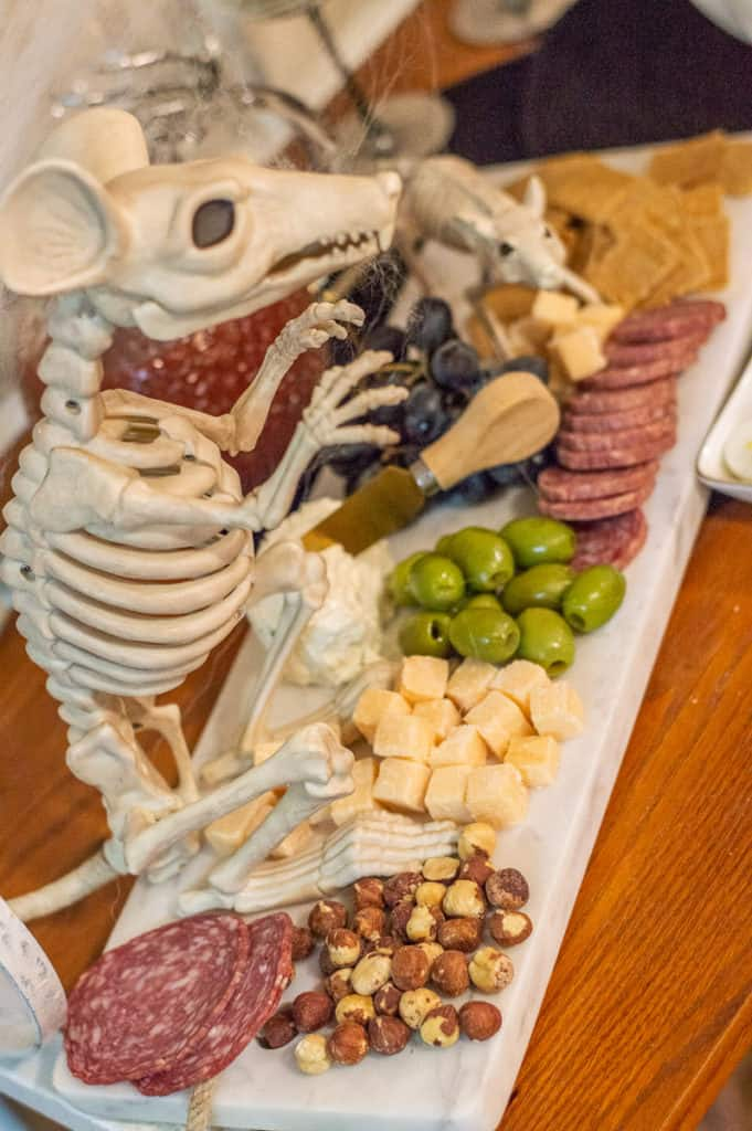 Halloween cheeseboard with mice