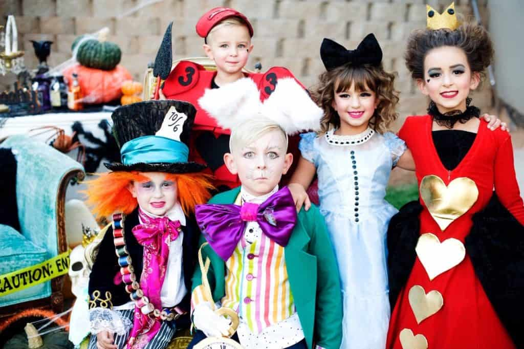 Kids in Alice in Wonderland costumes