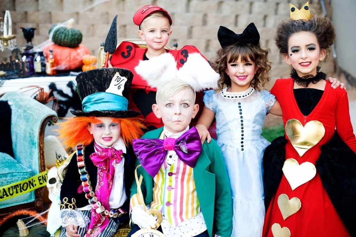 Kids in Alice in Wonderland costumes