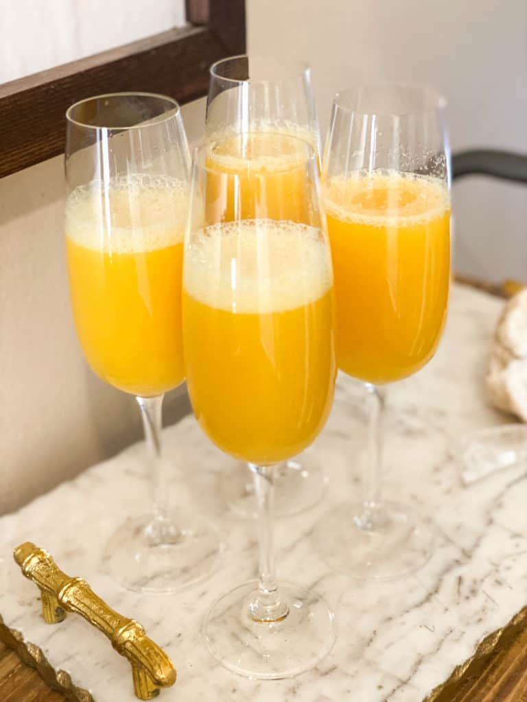 Mimosa mocktails (non-alcoholic)