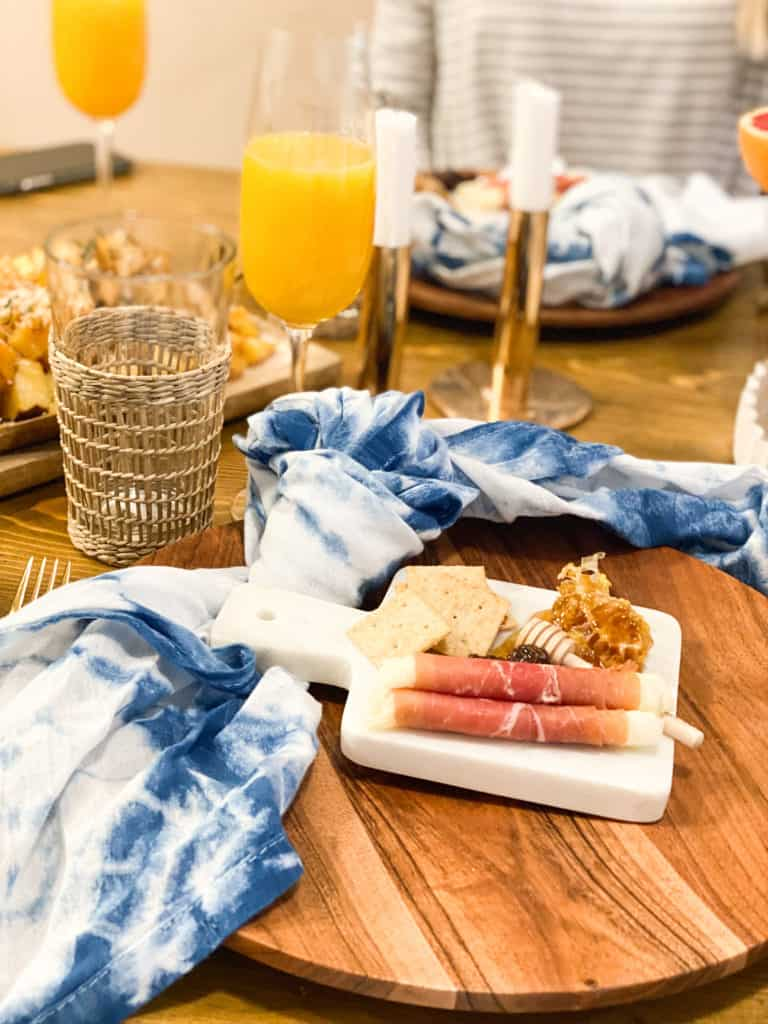 Modern breakfast tablescape